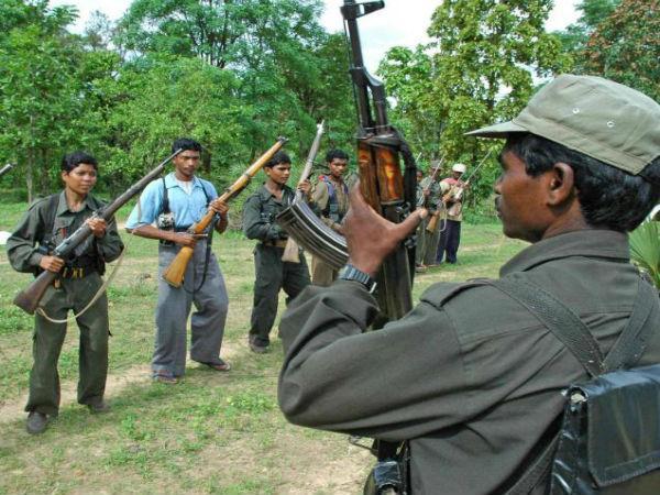 Maoists kill 4 policeman in landmine blast in Jharkhand