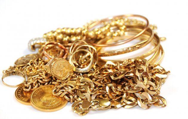 Sona (Gold) ko peele kapde mein lapet kar kyn rakhna chahiye