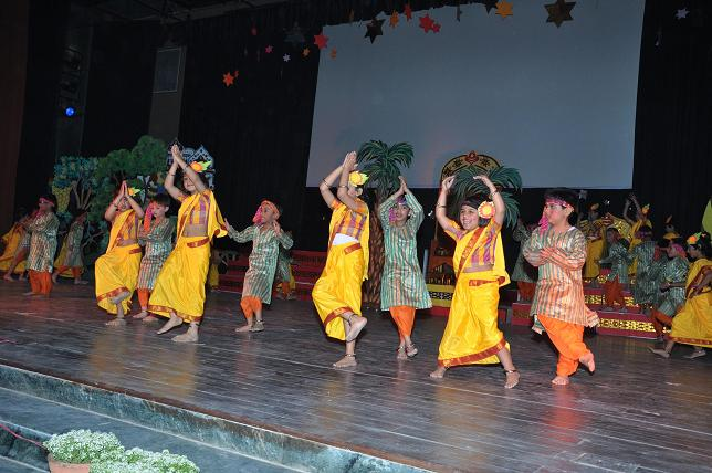 annual day hindi Suggest children song for annual day i would like to choreograph a song for kindergarten students in my school please suggest some good songs and.