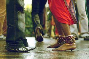 Hindi Essay – Aadhunik Sanskriti par Nibandh