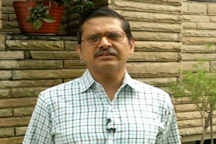 सपा नेता आज़म खान के खिलाफ वारंट जारी