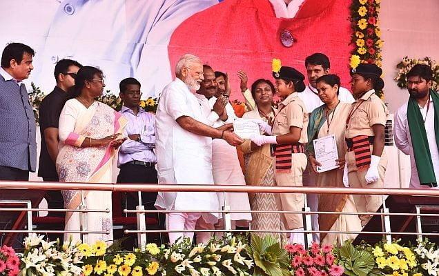 देश में ईमानदारी का समय शुरू हो गया है: नरेंद्र मोदी