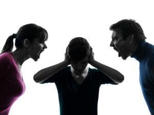 पति-पत्नी की ऐसी लड़ाई नहीं देखी होगी आपने