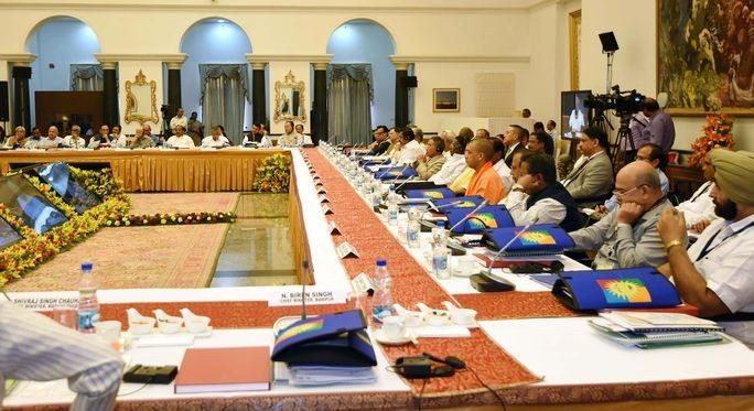 प्रधानमंत्री मोदी ने राज्यों से आग्रह किया कि जनवरी से दिसंबर तक वित्तीय वर्ष पर विचार करें