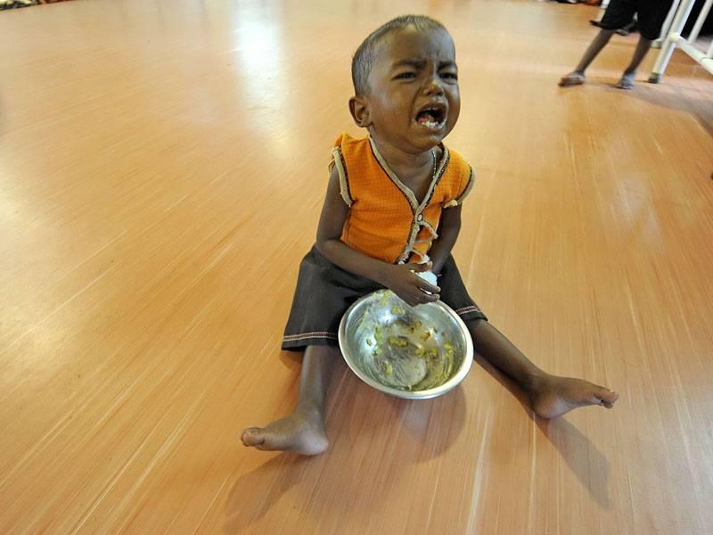 बच्चों को पर्याप्त आहार नहीं मिलता है, एनएफएचएस