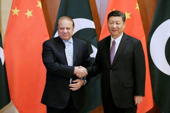 Pakistani Prime Minister Nawaz Sharif meets Chinese President Xi Jinping in Beijing