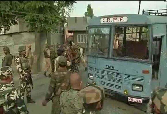 सीआरपीएफ ने चारो आतंकवादी को मौत के घाट उतरा