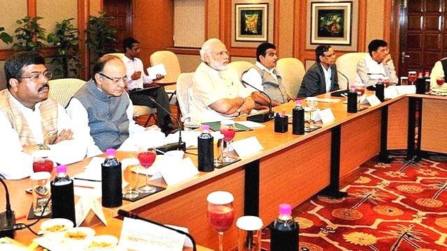 राजनाथ सिंह ने आंतरिक सुरक्षा के लिए राज्य और केन्द्र की बुलाई बैठक