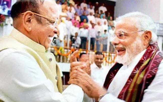 गुजरात में नुकसान नियंत्रण की स्थिति में कांग्रेस