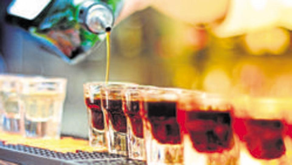 हाईवे के पास होटलों में शराब की बिक्री की अनुमति देने के लिए अदालत ने पंजाब सरकार को जारी किया नोटिस